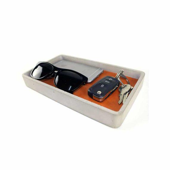 concrete-valet-tray-brown-leather-corner-profile_1024x1024